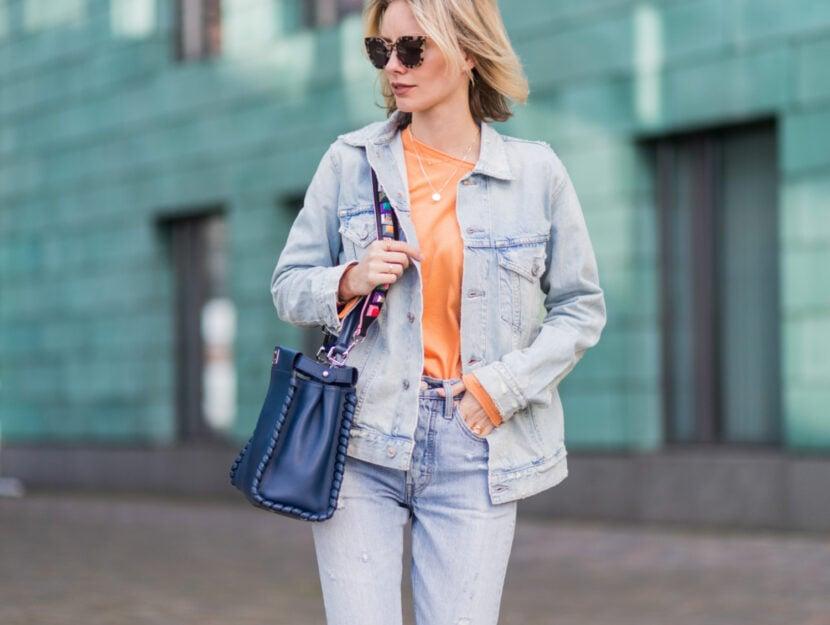 Di tendenza per l'autunno inverno 2019 2020 la giacca di jeans