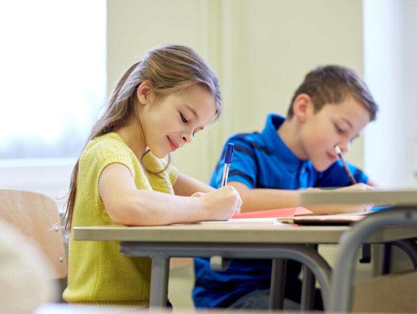 Bambini-a-scuola-classe