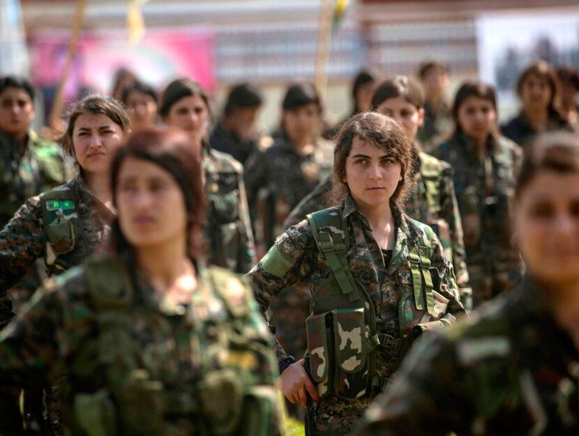 Combattenti dell'YPJ (Unità di protezione delle donne) il 27 marzo 2019 nella città di Hasakah. Fo