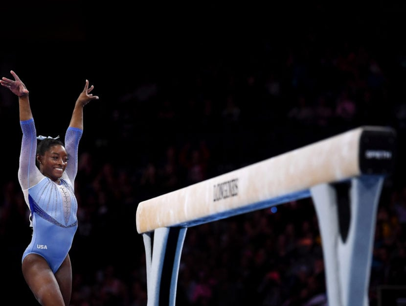 Simone Biles durante le qualificazioni dei Campionati mondiali femminili di ginnastica artistica a S