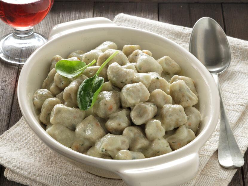 Gnocchi di farina di segale e patate con verdure