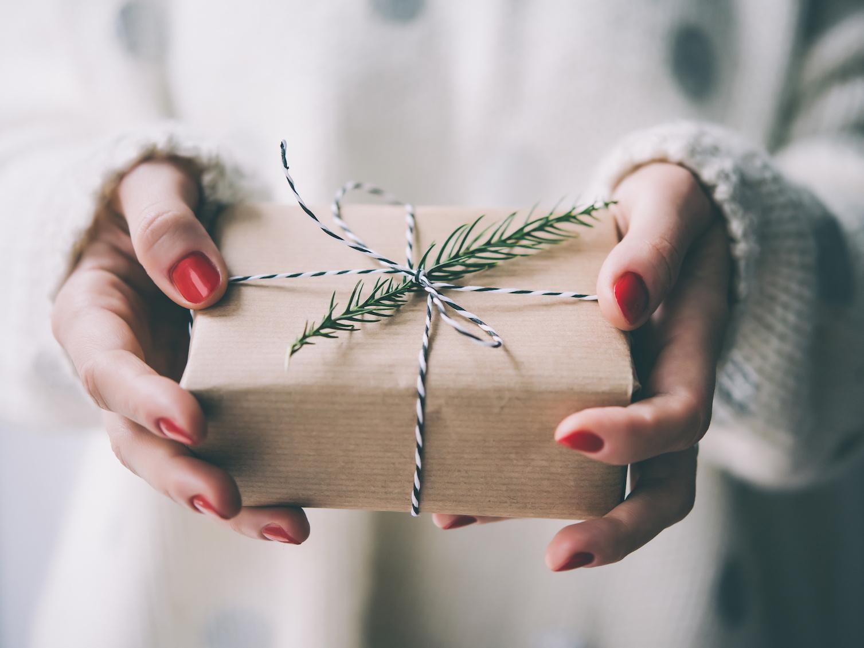 Idee Regalo Natale Basso Prezzo.Regali Di Natale Economici 2020 Idee Regali Piccoli Ma Belli Donna Moderna