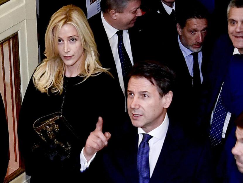 Il presidente del Consiglio Giuseppe Conte, con la compagna Olivia Paladino