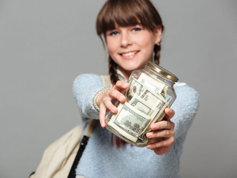 Ragazza scuola soldi