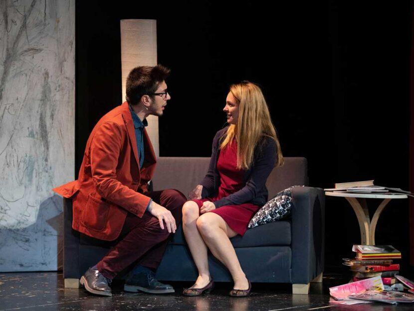 """Un momento dell'intensa pièce teatrale """"Quasi genitori"""" andata in scena al teatro Litta di Milano i"""
