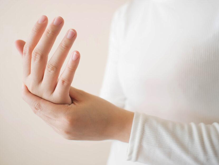 Formicolio mani carenza vitamina B12