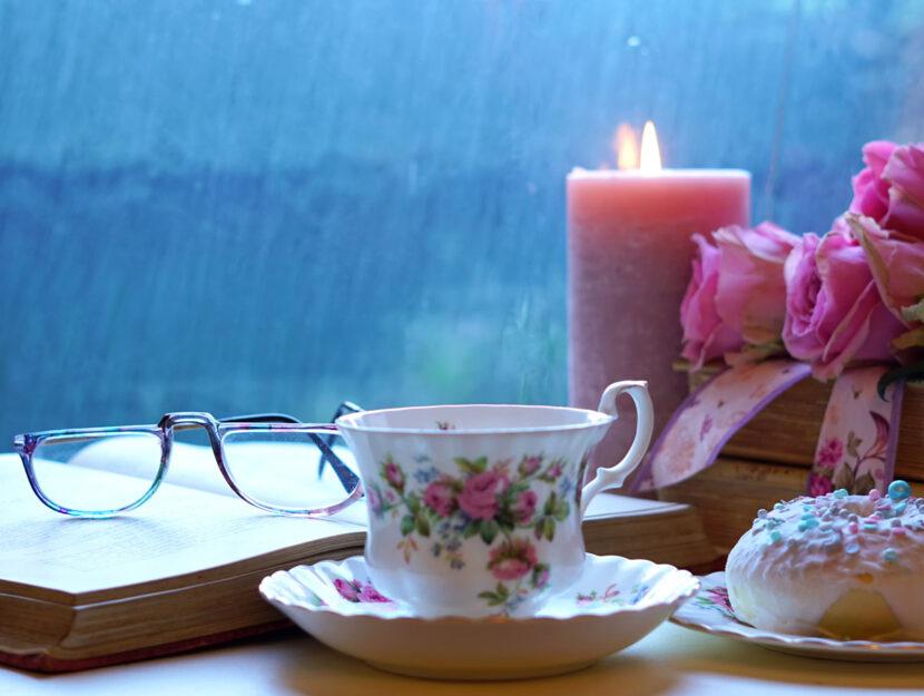 Libri-romantici-fiori-tazza-te