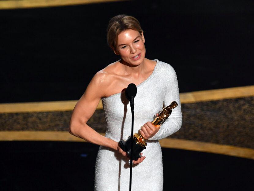 Renée Zellweger ritira il premio come Miglior attrice protagonista per Judy