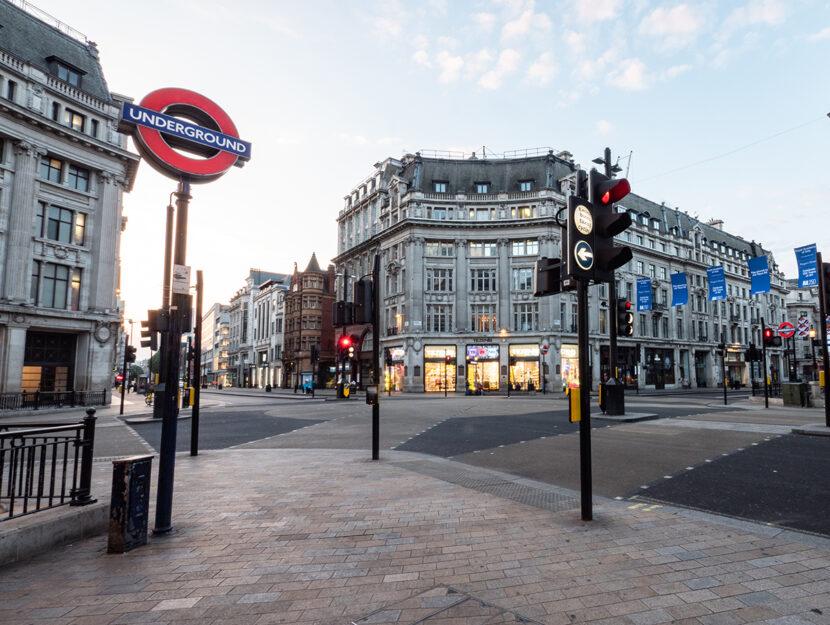 Oxford Circus a Londra deserta a causa del lockdown. Foto Shutterstock