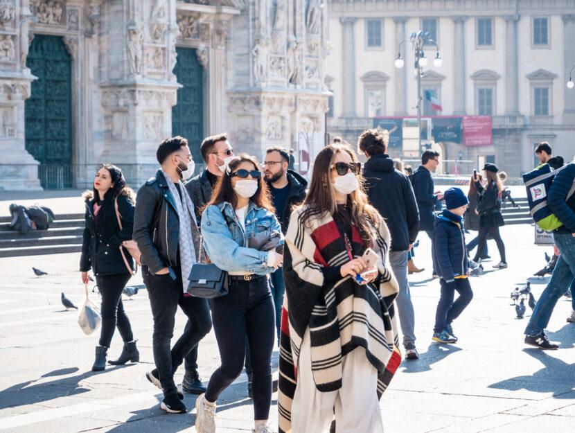 Milano piazza Duomo mascherine