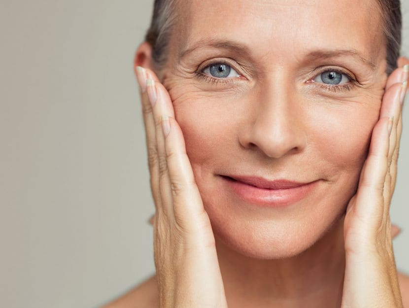Parodontite: sorriso donna 50enne