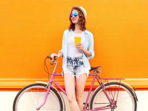 Sei passata alla bici? Questi sono gli accessori che devi avere