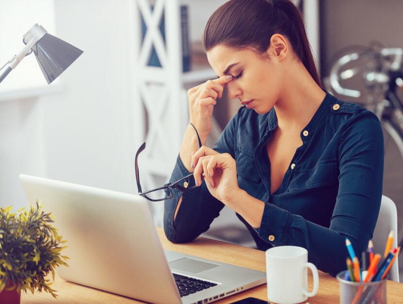 Ragazza stress da smart working