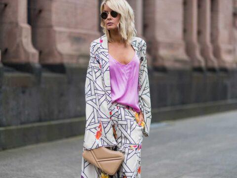 Il kimono è il capospalla più versatile dell'estate. E si indossa al mare e in città
