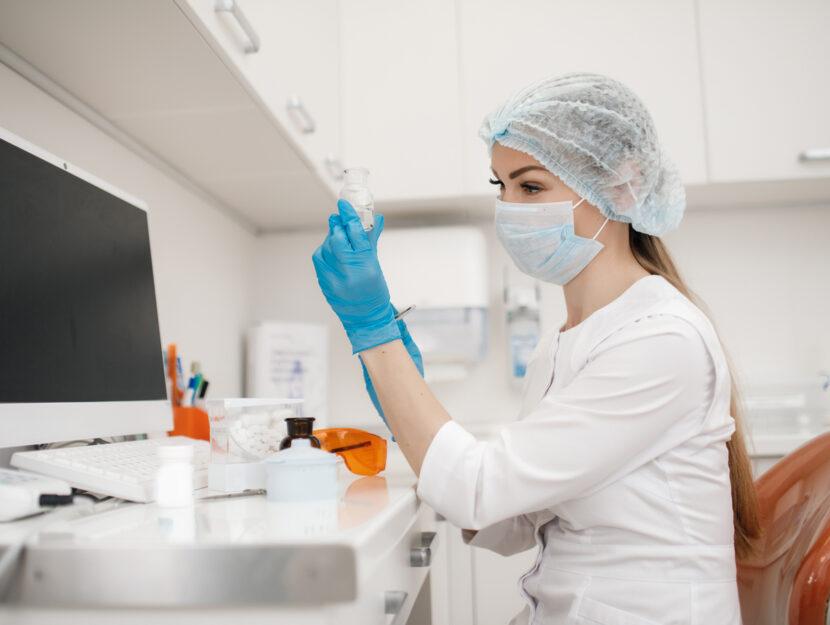 Covid laboratorio scienziata
