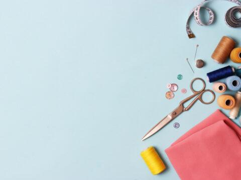 Hobby creativi: come si sceglie una macchina da cucire