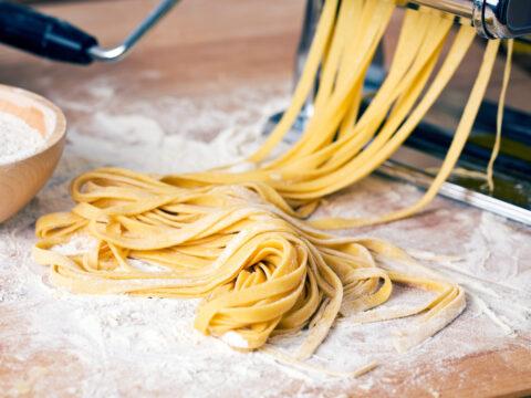 Macchina per fare la pasta: porta a tavola la tradizione in poche mosse