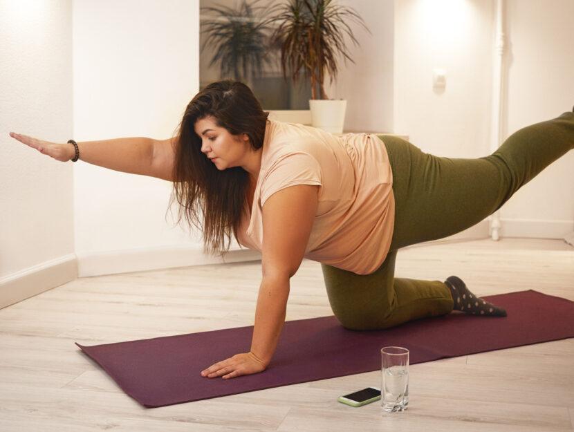 Ragazza obesa ginnastica