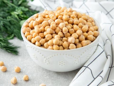 Buoni, super nutrienti e facili da cucinare: i ceci sono i legumi più versatili