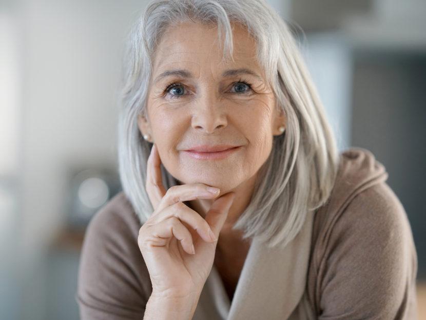 Donna anziana primo piano