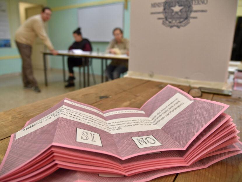 Referendum voto Italia urne