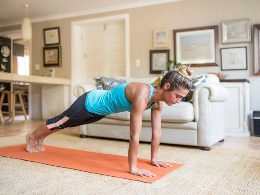 esercizi allenamento a corpo libero