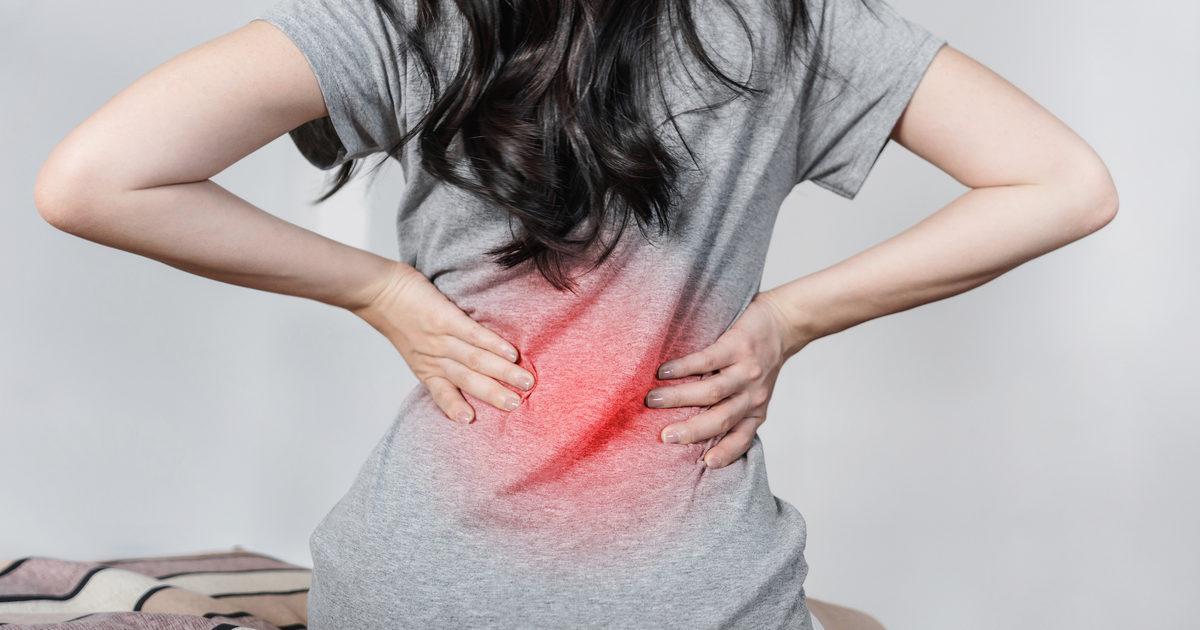 Mal di schiena da ciclo, i consigli per ridurre dolori e..