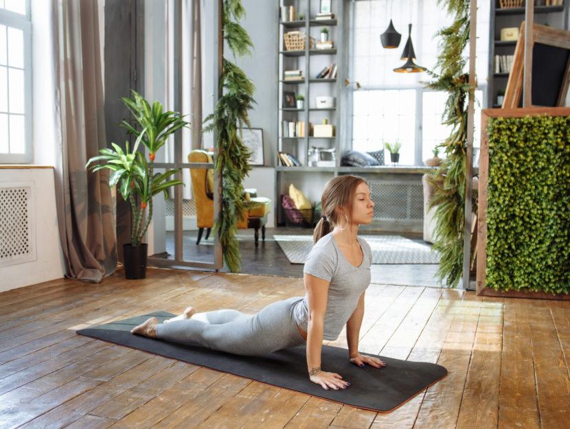 posizioni yoga contro la cellulite