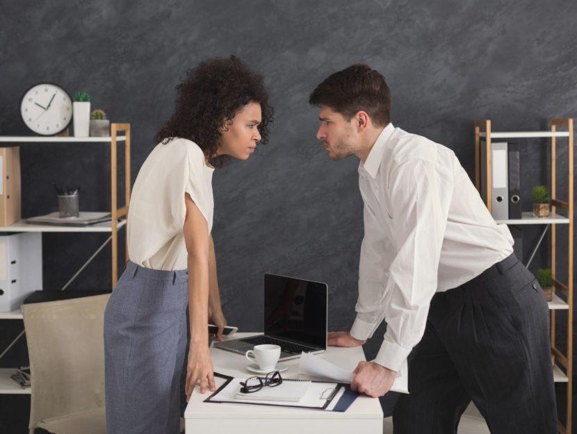 conflitti con i colleghi