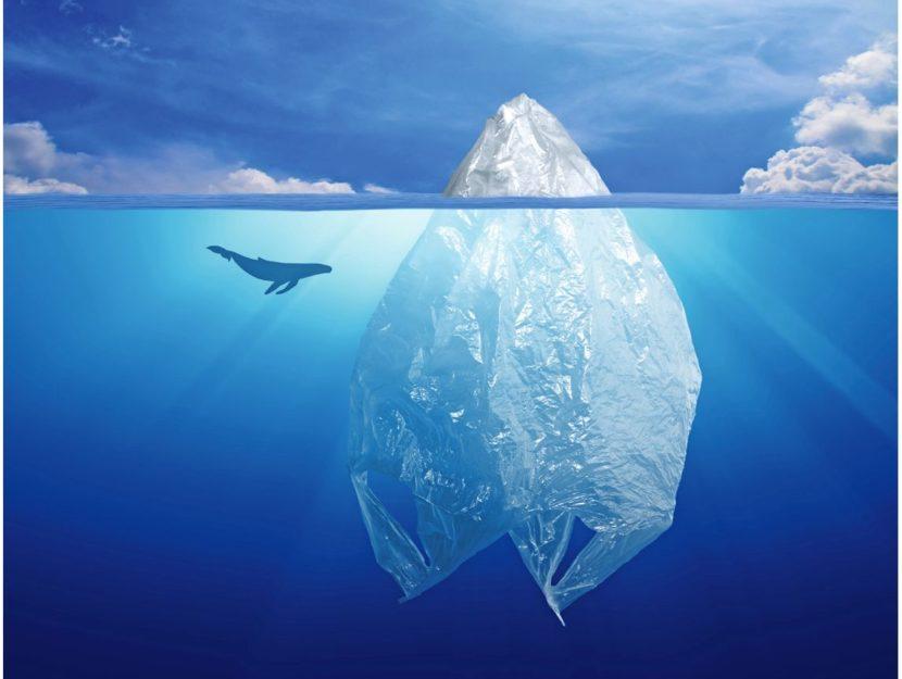 Iceberg di plastica mare