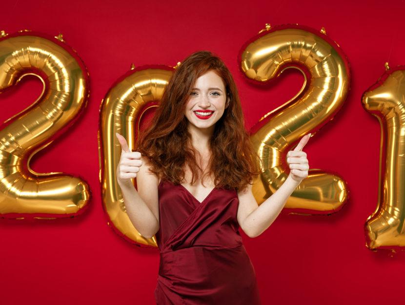 Nuovo anno 2021 donna rosso