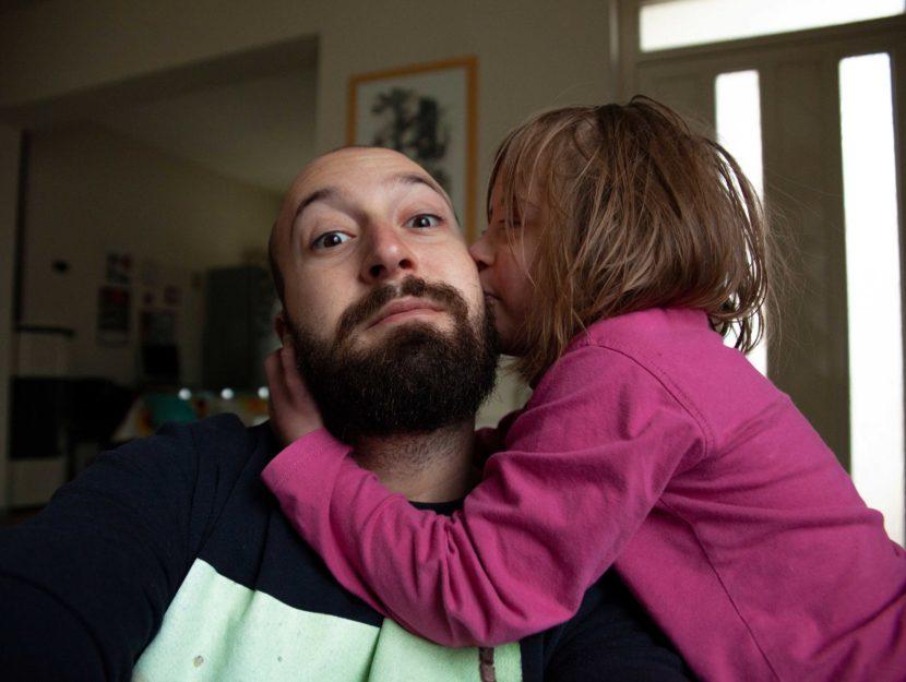 Francesco Cilli con la sorella Marta, di 10 anni, con sindrome di Down