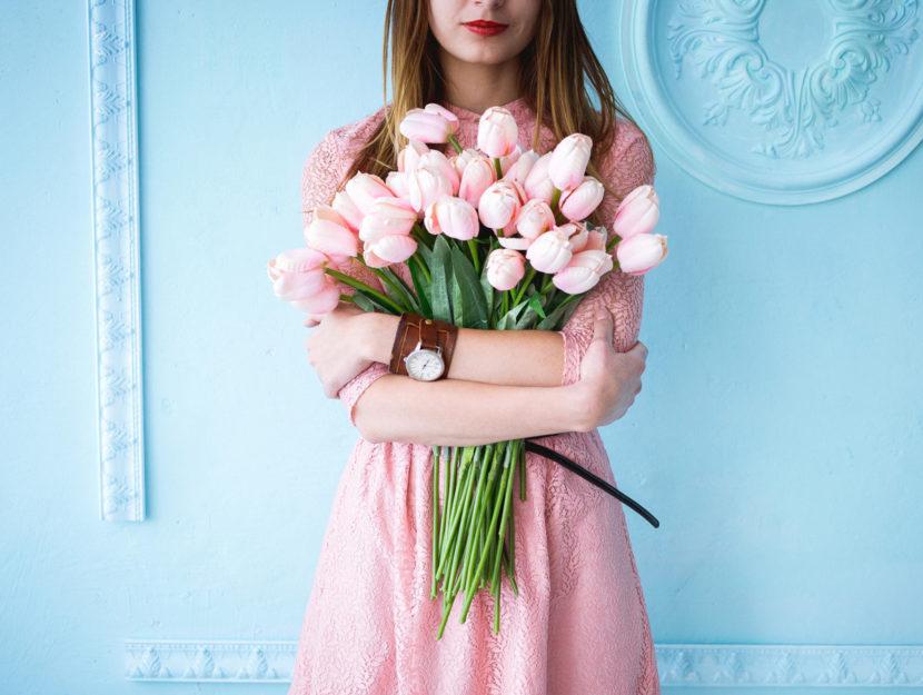 Vestito romantico color rosa polvere