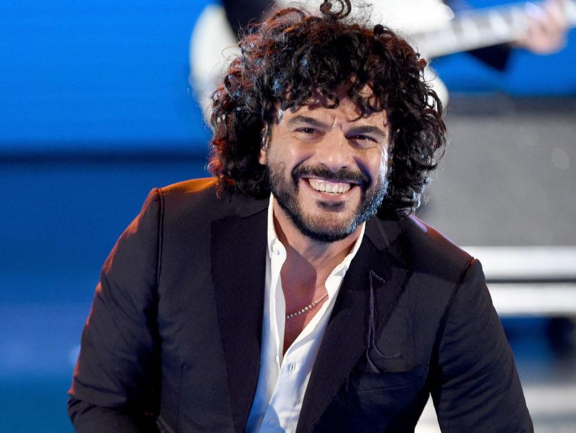 Francesco Renga sorride