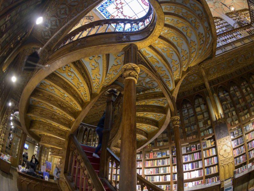 La libreria Lello & Irmão dove hanno girato alcune scene di Harry Potter