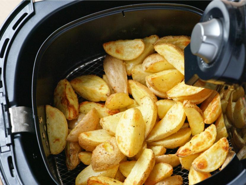 patate con la friggitrice ad aria