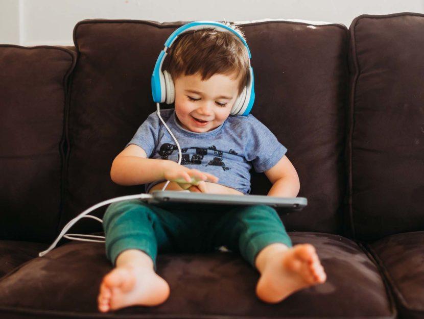 Bambino tablet divano