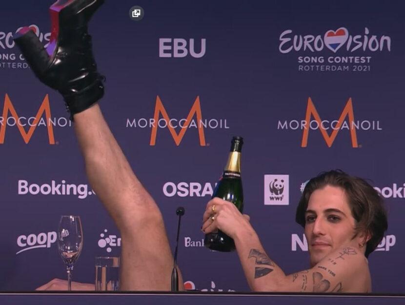 Damiano David in conferenza stampa dopo la vittoria all'Eurovision Song Contest