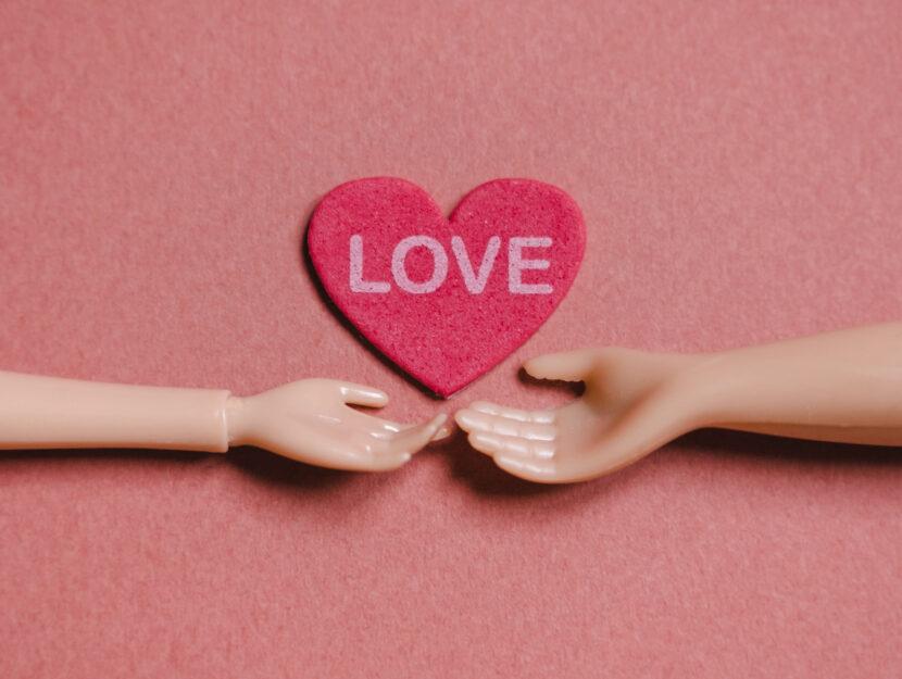 Love cuore mani