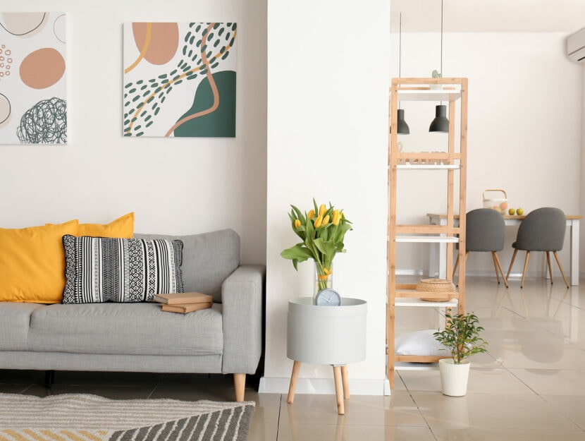 Salotto open space colorato
