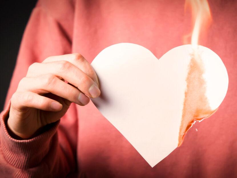 Love bombing significato