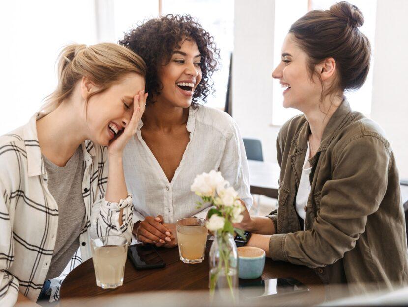 5 modi per essere più presenti nella vita delle amiche