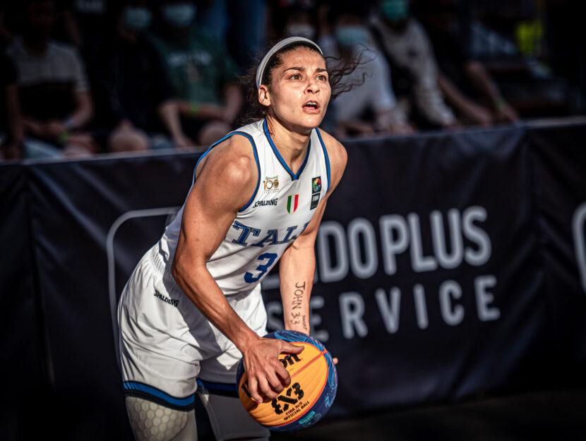 Rae Lin D'Alie basket