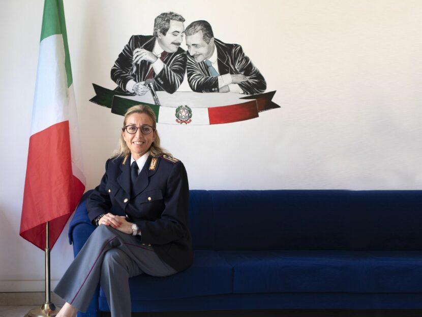Evelina Compare poliziotta Roma