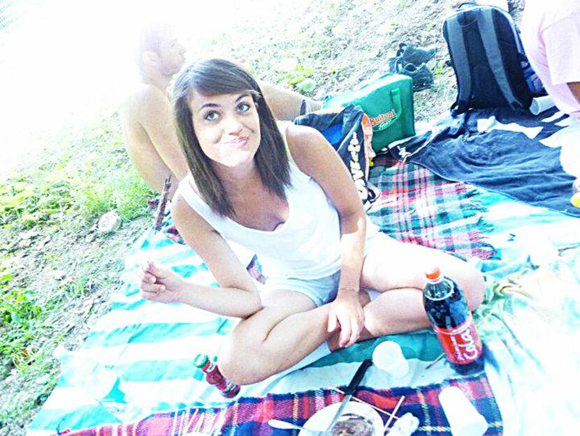 Martina Rossi nel 2011 nella sua prima vacanza con le amiche, poco prima di morire cadendo dal balco