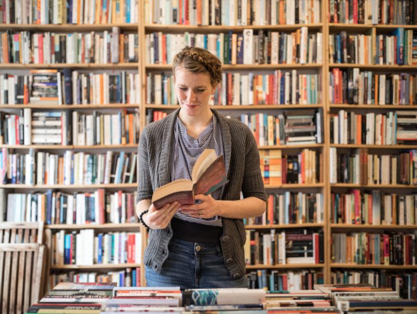 Donna libreria