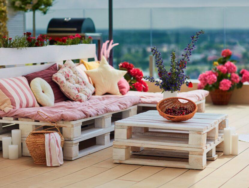 Salotto in giardino riciclo