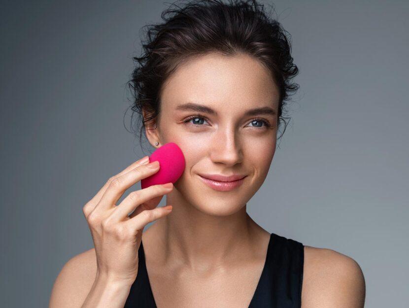trucchi per applicare il fondotinta come una seconda pelle