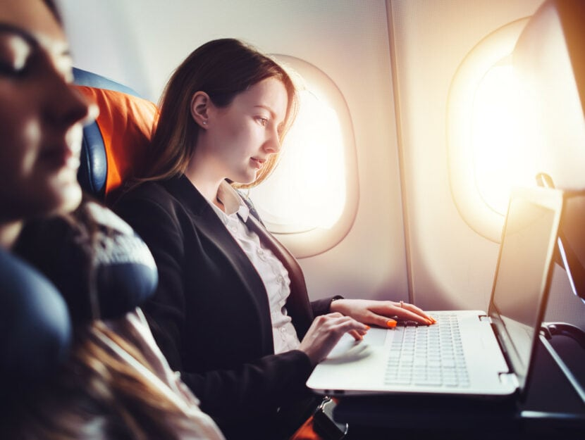 Usare il computer in aereo